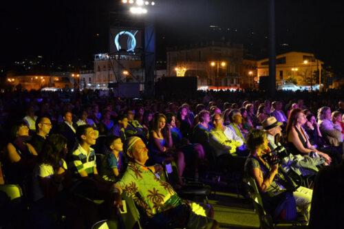 Pubblico faro 2012