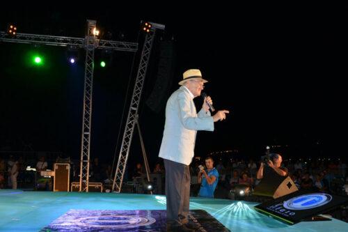 Teddy Reno canta al premio Il Faro 2012
