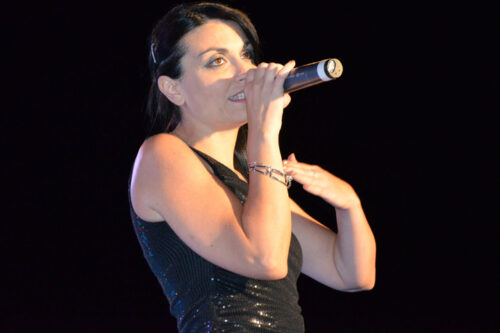 Unaderosa si esibisce durante il premio Il Faro 2012